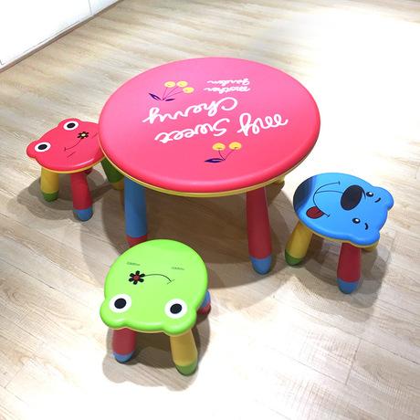 [해외]어린이 가구 세트 플라스틱 어린이 테이블과 의자는 하나의 테이블 네 의자를 설정 어린이 가구 세트는 크기를 사용자 정의 할 수 /Children Furniture Sets plastic children table and stools set one table fo