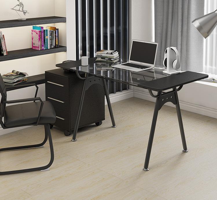 [해외]Desktop computer desk. A single desk. Toughened glass desk./Desktop computer desk. A single desk. Toughened glass desk.